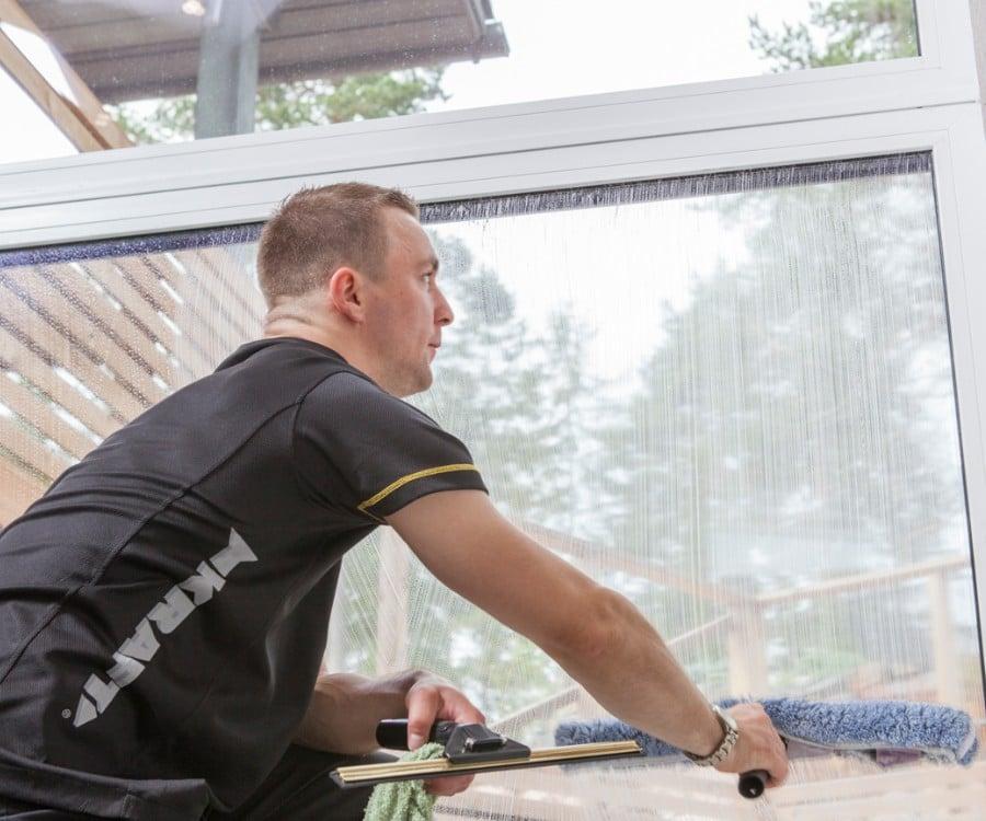 Ikkunoiden pesu Vantaalla